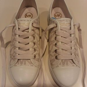Michael Kors leather beige and off-white shoes